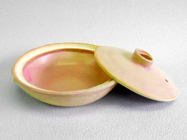 ピンク手作り土鍋