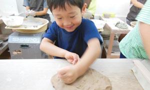 歴史から化学まで学べる陶芸で夏休み自由研究