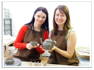 We welcome you to English pottery class in Tokyo
